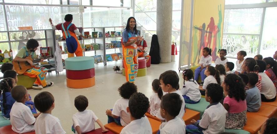 01.08 - Visita monitorada com Hora do conto - EMEI Professor Arlindo Veiga dos Santos - Alexandre  2