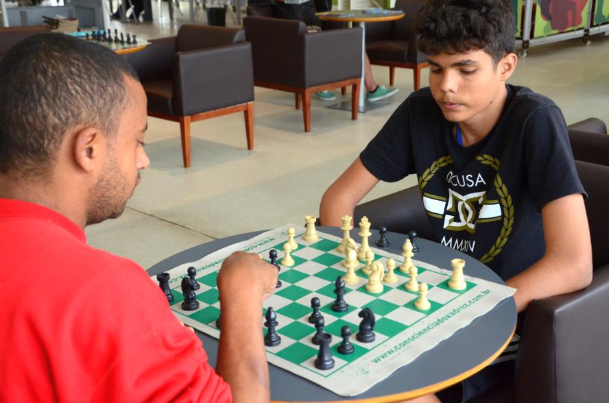 xadrez de outubro - sofia sales