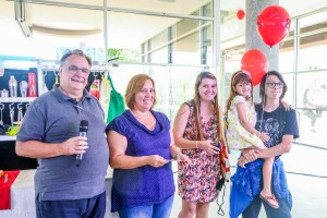 Categoria Família: Eliane Rosana Baptista Caccia Zechin e os filhos Clara e Filipe