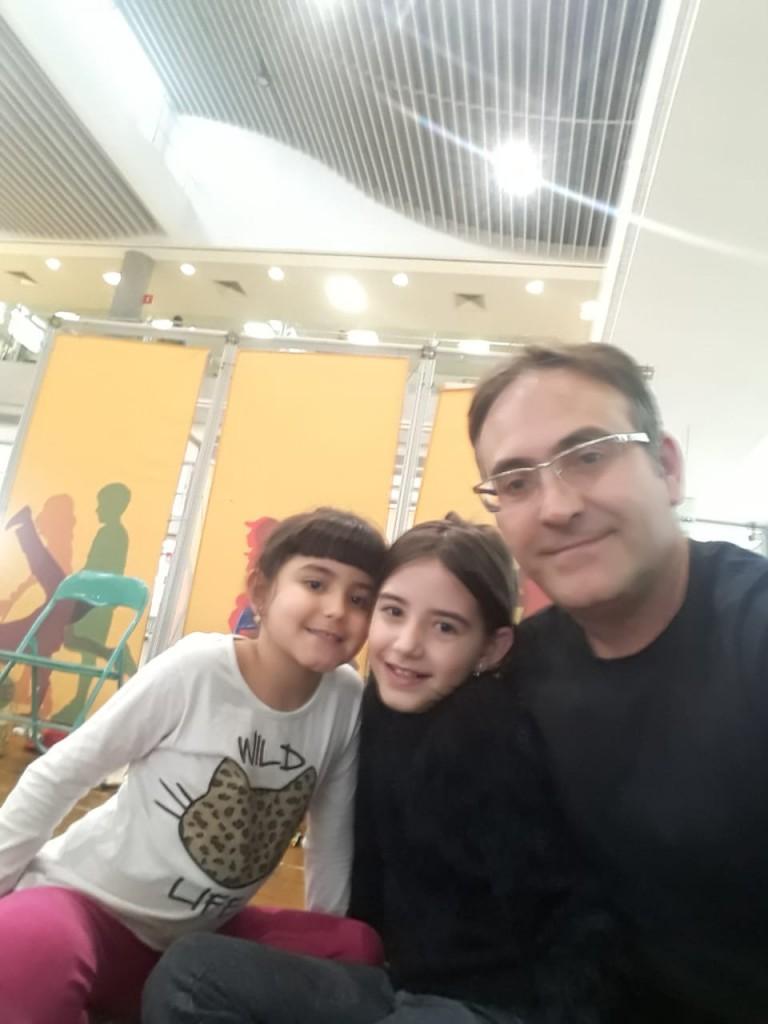 Gabriela, Rafaela e Roberto. Foto: Equipe SP Leituras.