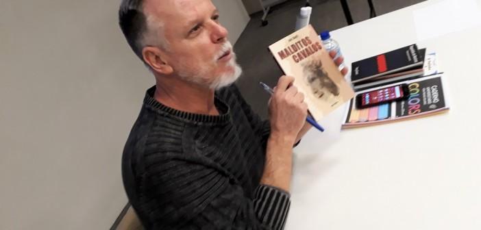 Tony Giusti fala sobre criação de textos em oficina de dramaturgia