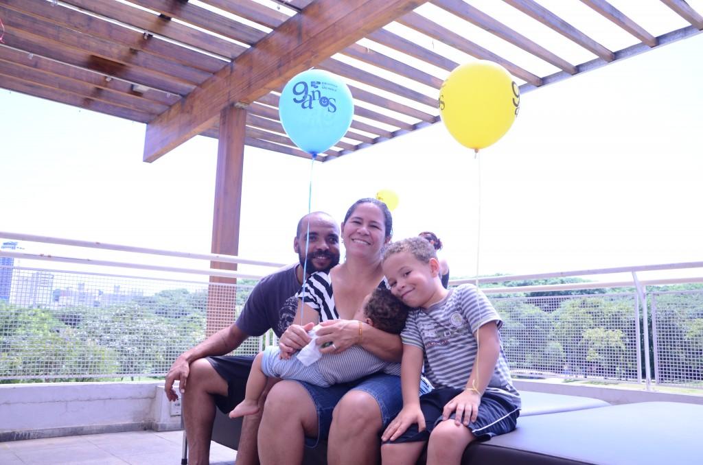 Antonio e Maria Fátima com os filhos Cadu e Davi. Foto: Equipe SP Leituras.