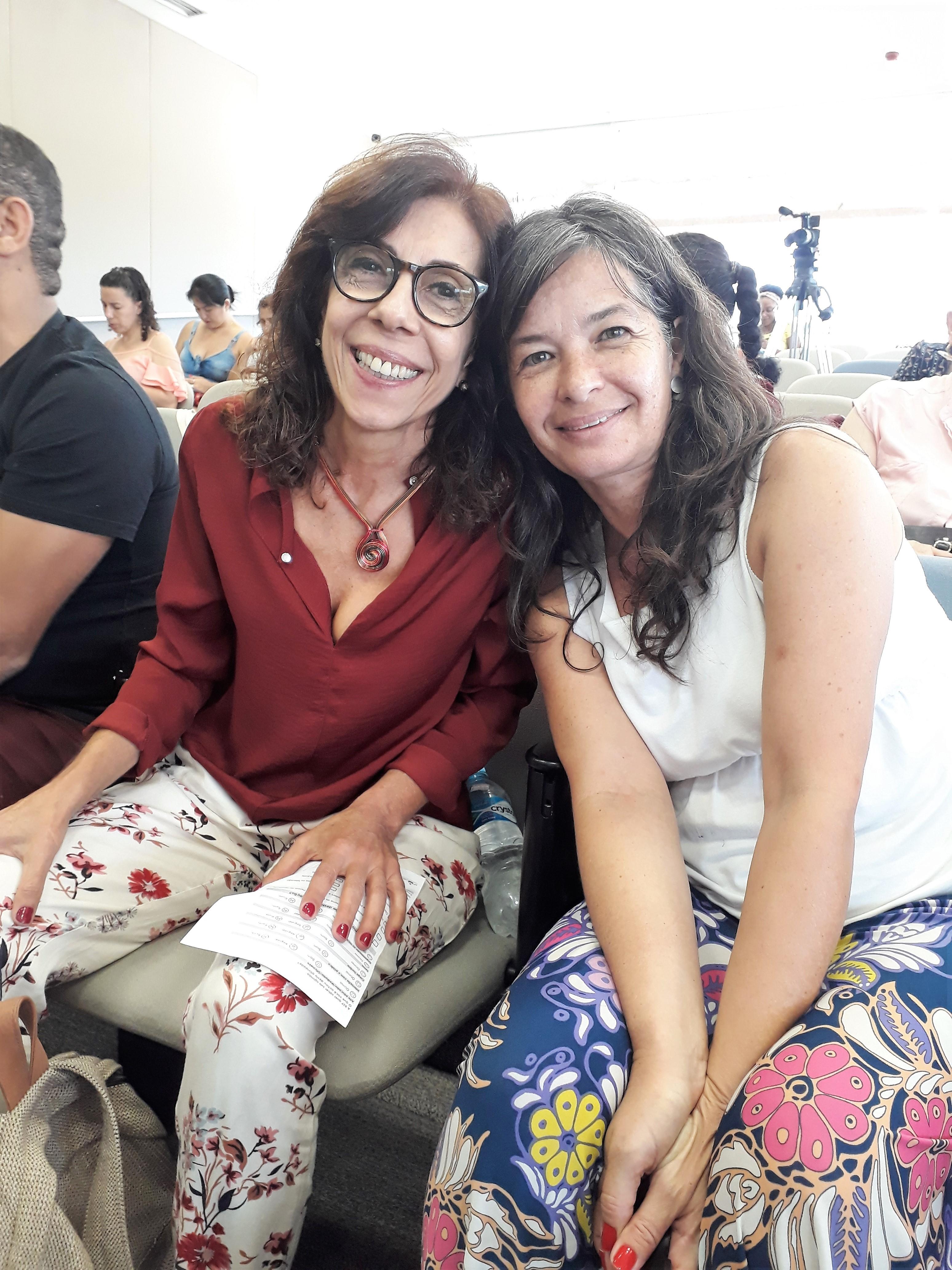 Carla e Guacyara. Foto: Equipe SP Leituras.