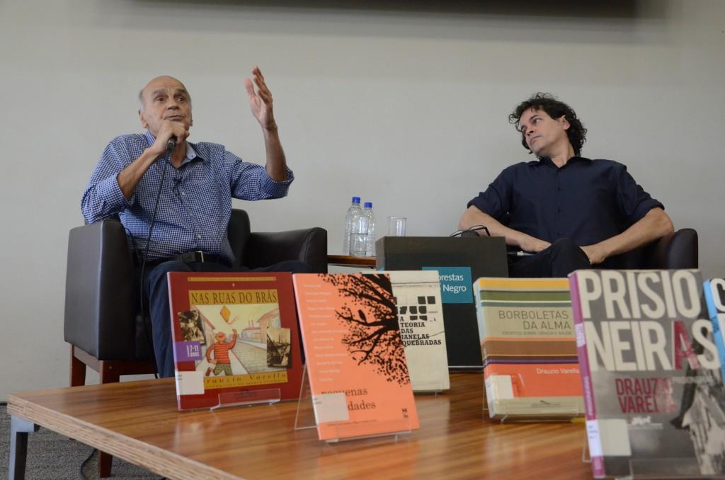 Drauzio Varella e Manuel da Costa Pinto em bate-papo especial no evento que comemorou 10 anos da BSP. Foto: Equipe SP Leituras
