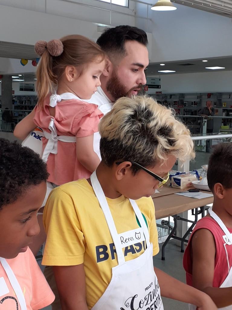 Chef Andy Giacometti e a filha Nina. Foto: Equipe SP Leituras.