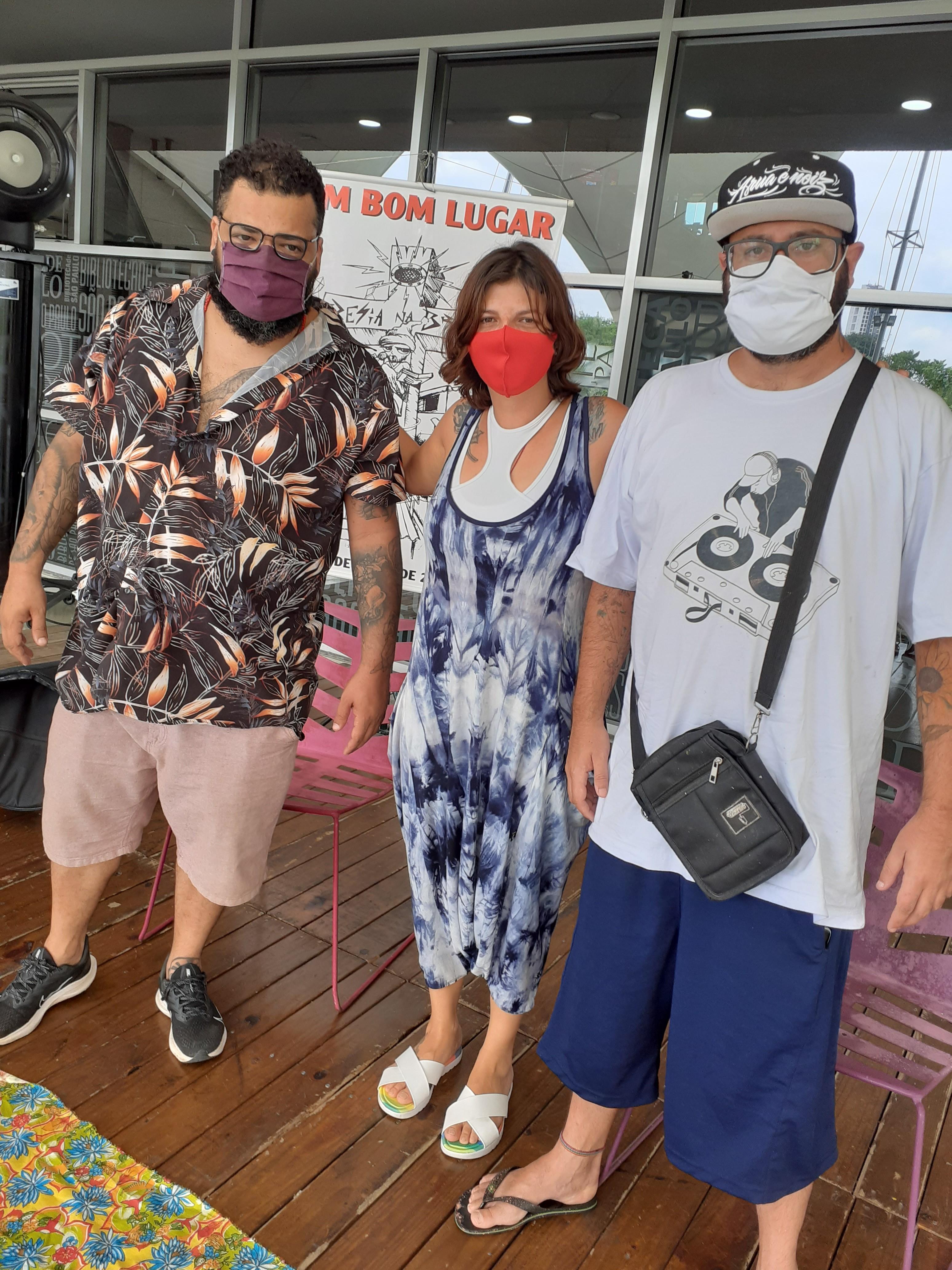 Chelmi, Samanta e Vagner, do Coletivo Cultural Poesia na Brasa. Foto: Equipe SP Leituras.