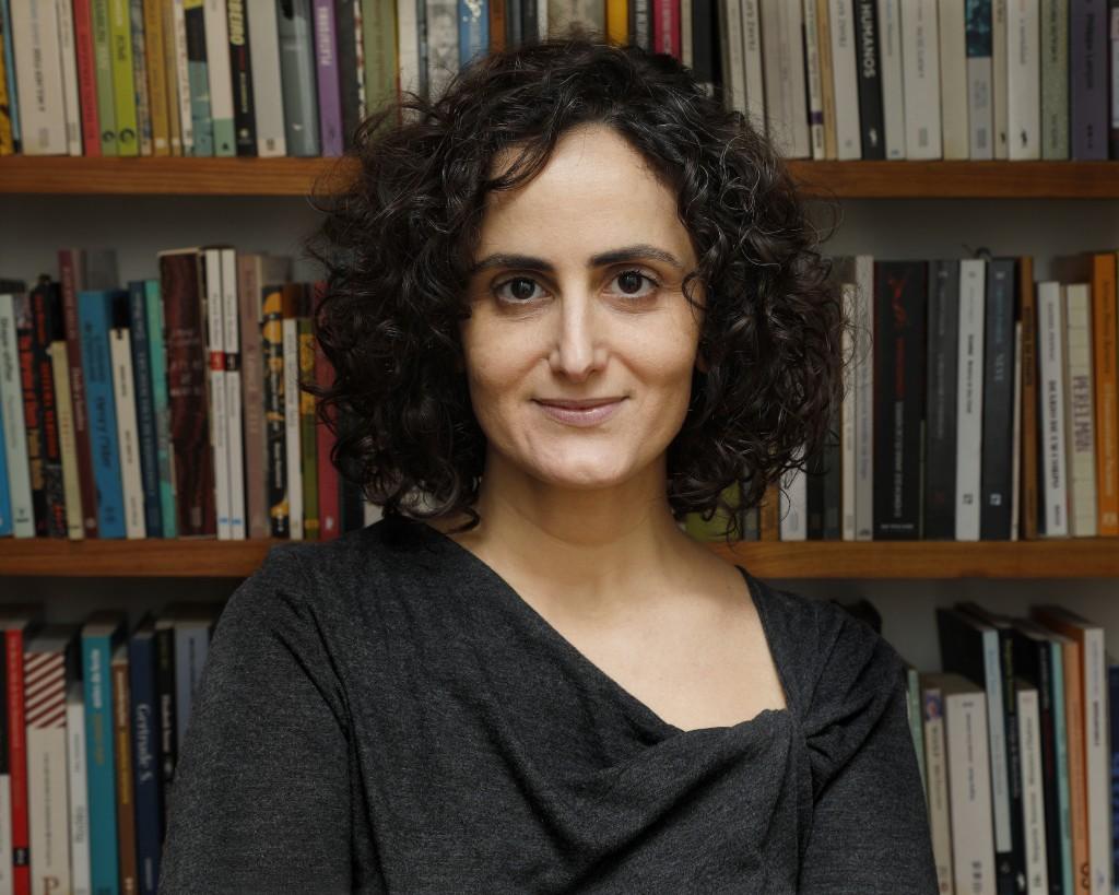 Tatiana é roteirista, contista, tradutora, ensaísta e autora de histórias infantis. Foto: Divulgação.