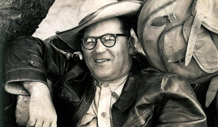 Guimarães Rosa durante a viagem pelo sertão de Minas Gerais, em 1952. Foto: reprodução/ site A venturas na História.